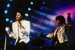1984 VICTORY TOUR  Th_675411475_7030080035_51fccb178d_b_122_244lo