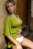 Ana Maria Holguin Vestida De Verde