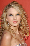 Taylor Swift - 2007 CMT Awards - April 17, 2007 - 33X HQ